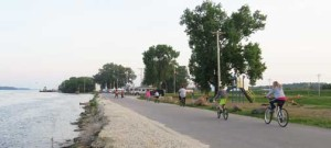 biking-on-riverfront